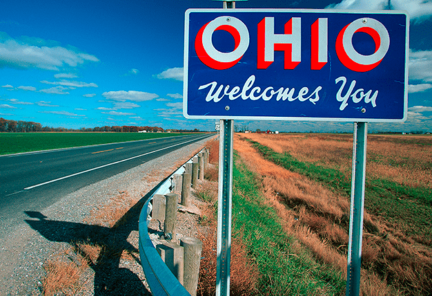 Welcome to Ohio sign on long stretch of highway
